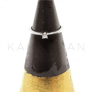 Λευκόχρυσο δαχτυλίδι με διαμάντι BA0130